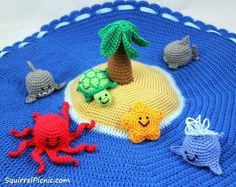 Island Play Set with Ocean Animals  •  Free tutorial with pictures on how to make a play mat in 18 steps