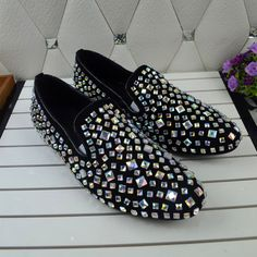 https://www.aliexpress.com/item/Sparkling-Crystal-Men-Shoes-Slip-on-Loafers-2016-Zapatillas-Deportivas-MujerFlats-Leisure-Driving-Shoes-Chaussure-Femme/32703159881.html?spm=2114.01010108.3.104.C3zWgf