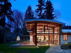 Garden Home Sparkling Under a Curved Roof and Natural Light - http://freshome.com/2015/03/04/garden-home-sparkling-under-a-curved-roof-and-natural-light/