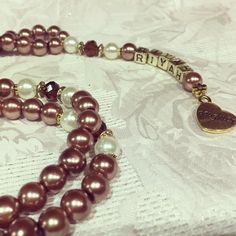 Coffee coloured pearl glass beads with hints of antique gold, white glass pearls and chocolate brown crystal spacers, personalised for my daughter  #tasbih #tasbeeh #misbaha #dhikr #handmade #personalised #gift #love #wedding #favours #beads #charm #vintage #pearls #antiquegold #bespoke #prayer #daughter #elegant #eid #luxury #madewithlove #family #riyahstreasuretrove #alhamdulillah