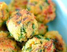 Albóndigas de quinoa                                                                                                                                                                                 Más Vegetable Recipes, Vegetarian Recipes, Healthy Recipes, Real Food Recipes, Cooking Recipes, Good Food, Yummy Food, Going Vegan, Healthy Snacks