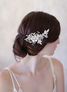 Hey, I found this really awesome Etsy listing at https://www.etsy.com/ca/listing/224341666/bridal-flower-hair-comb-gold-and