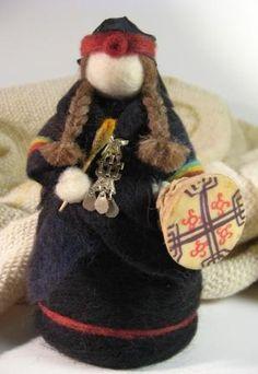 MUÑECAS - El Taller dela Oveja Nuno Felting, Needle Felting, Native American Dolls, Felt Fairy, Felt Dolls, Felt Animals, Softies, Puppets, Wool