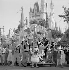 """Magic Kingdom Park ushered in it's 15th Anniversary celebration on October 1, 1986, with a new """"15 Years of Magic"""" parade, which featured 40 Disney characters, new floats and a special """"We're Having A Party"""" theme song."""