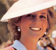 October 31, 1985: Princess Diana visit the Puckapunyal Army Centre, Victoria.