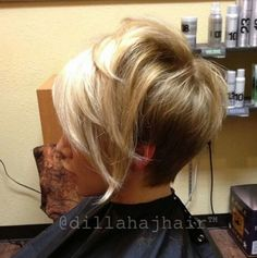 If you would like a hairdo that is definitely bold, then pixie may be the perfect pick. Pixie haircut is an excellent idea if you're young enough. A pixie haircut is a brief haircut with layers. Stacked Hairstyles, Asymmetrical Hairstyles, Cool Hairstyles, Asymmetrical Pixie Cuts, Hairdos, Hairstyles 2016, Hairstyle Ideas, Asymmetric Bob, Fashion Hairstyles