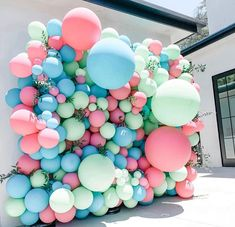 A fun balloon wall to brighten your day. These colours are so much fun and makes for such an impressive backdrop for photos, entertainment… - Decoration For Home Balloon Backdrop, Balloon Decorations Party, Balloon Columns, Balloon Wall, Balloon Garland, Birthday Party Decorations, 3rd Birthday Parties, Birthday Balloons, Themed Parties