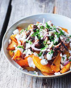 Geroosterde aardappelen met harissa en ras el hanout en bovenop gegrilde kip met knoflook en sumak is zo lekker! Ik had er graag nog een bordje van gegeten. A photo posted by PJ – Nombelina (@nombelina) on Jun …