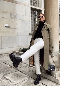Discovered by Nina Narimane. Find images and videos about fashion, shoes and winter on We Heart It - the app to get lost in what you love. Winter Fashion Outfits, Fall Winter Outfits, Look Fashion, Autumn Winter Fashion, Fashion Shoes, Winter Ootd, Autumn Style, Modest Fashion, Korean Fashion