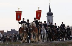Alter sorbischer Brauch in Ralbitz:  Osterreiten; easter ride of the sorbian minority in upper lausitz