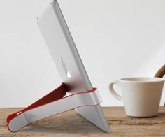 TwoHands hangs on tight to your iPad, tablet, or eReader.