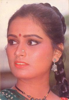 Indian Natural Beauty, Asian Beauty, Young Actresses, Indian Actresses, Padmini Kolhapure, Vintage Bollywood, Beautiful Girl Indian, Bollywood Stars, Best Actress