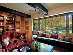 4535 Encino Avenue - LuxuryRealEstate.com™