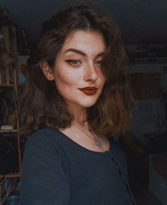 ) tus propias imágenes y videos en We Heart It Cute Girl Photo, Girl Photo Poses, Girl Photos, Aesthetic Makeup, Aesthetic Photo, Aesthetic Girl, Girly Images, Photographie Portrait Inspiration, Foto Art