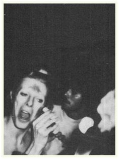 the-girl-who-fell-to-the-earth:  Rare photo of David Bowie doing his make up.