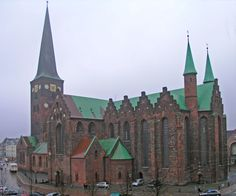 Aarhus kirke - one of my most memorable places. Walking Street, European Destination, Aarhus, Copenhagen Denmark, Romanesque, Place Of Worship, Traditional House, Barcelona Cathedral, Places To See