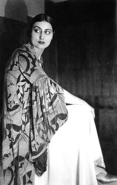 Germaine Krull : Sonia Delaunay, 1926