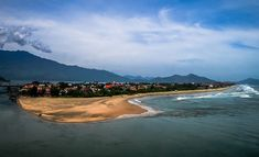 Reposting @moon_pierre: View over Läng cô bay, hosting a small fisherman village that found himself along the overused highway n°1 connecting Hue and Da Nang. Right after i was offered this view i had to stop the motorbike and decided to head back to Da Nang as there was a major accident, freezing completely the traffic. There was already half of a km of people waiting for the road to be unblocked, and the number was growing at sight ! . . . . waitingphotooftheday #earthpix #moodygrams