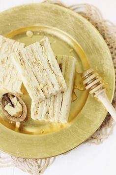 Prajitura cu foi de miere si crema de smantana (Medovik)   Pasiune pentru bucatarie
