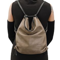 The cotton-lined bag in vertical format for every day and night. The straps is made of skin-friendly, vegetable-tanned leather. With shoulder protector for added comfort. In the basic position, the straps are attached so that two loops are formed allowing the bag to be worn at two different lengths. Additionally, the strap length can be adjusted in small steps or worn at half length. Interior includes a very large side compartment, mobile phone pocket and leather loop for attaching keys…