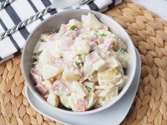 I made this super each loaded ham potato salad. I've called it loaded because you literally just load everything into the bowl and mix. I've get the ingredients simple and classic. The flavour of this only gets better the next day as the spring onion flavour marinates into the sauce and potatoes. %