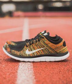Nike Free Flyknit Men's Running Shoe Black/Poison Green/Total
