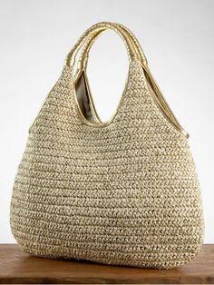 Hold it! The 8 best beach bag buys for this Hold it! The 8 best beach bag buys for this summer Sacos Kajol esplendor - Crochet Shell Stitch, Crochet Tote, Crochet Handbags, Crochet Purses, Knit Crochet, Best Beach Bag, Beach Bags, Diy Handbag, Macrame Bag