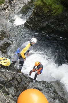 Gaspésie is overlapped by a dozen pristine watercourses that link the verdant valleys bordering the Chic-Chocs, with more than km of waterways available to kayaking and canoeing enthusiasts. Mountain Climbing, Rock Climbing, Chic Choc, Destinations, Spa, Beaver Creek, Outdoor Adventures, Jouer, Ainsi