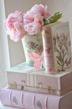 Flower arrangement ...♥♥...