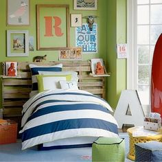 In many homes, the bedroom often gets the least decorative attention even though it's the room where we normally spend the most time. And it's no wonder, bedroom furnishings aren't easy on the wallet. However, if you start with the headboard wall — the focus of the room — and go from there, it's easy to establish a vision and get the creative ideas flowing.
