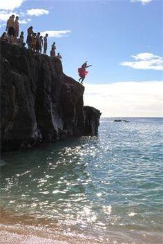 Tutu cliff jumper : Oahu