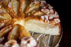 Ciasto migdałowe z gruszkami, bez mąki i tłuszczu II Cooking for Emily No Bake Desserts, Vegan Desserts, Apple Cake, Gluten Free Recipes, Sweet Tooth, Food And Drink, Low Carb, Cooking Recipes, Sweets