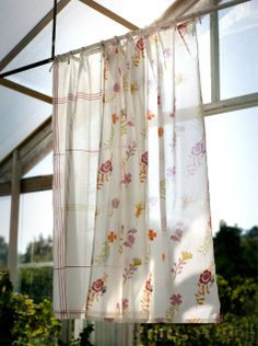 "Rosenkrage"" panel blind in eco cotton – Curtains – GUDRUN SJÖDÉN"
