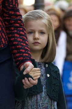 Princess Leonor Photos - Princess Leonor of Spain attends Easter Mass at the Cathedral of Palma de Mallorca on April 8, 2012 in Palma de Mallorca, Spain. - Spanish Royals Attend Easter Mass in Palma de Mallorca