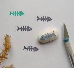 eraser stamp Hand carved rubber stamp - Fishbone rubber stampShape- Fishbone rubber stamp / Fish stamp:Size: cm x cmUnmounted eraser Fishbone rubber stampYour Craft Projects - Ideas:Fi Book Crafts, Paper Crafts, Eraser Stamp, Stamp Carving, Handmade Stamps, Fabric Stamping, Miniature Crafts, Custom Stamps, Self Inking Stamps