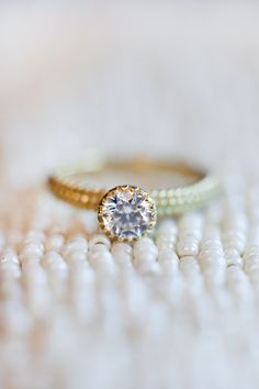 Engagement Rings 2018 Were Majorly Crushing on this Gold Halo Engagement Ring Pretty Engagement Rings, Heart Shaped Engagement Rings, Engagement Ring Shapes, Wedding Engagement, Diamond Wedding Rings, Diamond Engagement Rings, Solitaire Rings, Rings 2017, The Bling Ring