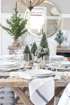 Casual Christmas Tablescape - Rooms For Rent blog