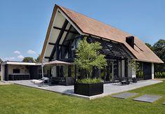 VILLA W4 - interior | architecture | totaal concepten | interieur | tuinplan - Marco van Veldhuizen Best Modern House Design, Minimalist House Design, Minimalist Home, Plywood Furniture, Furniture Design, Coffee Shop Interior Design, Modern Bungalow House, Villa Design, Design Design