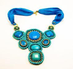 Collar Babero turco Espectacular collar fabricado en seda natural y piedras.