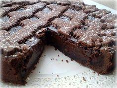 La crostata al cioccolato è il dolce perfetto per ingolosire tutti i vostri ospiti, perché non provarlo?