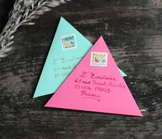 put a fun twist on snail mailing and fold your envelopes into triangles! love this idea, but I wonder how much more it costs to send. Mail Art Envelopes, Addressing Envelopes, Cute Envelopes, Snail Mail Pen Pals, Snail Mail Gifts, Origami, Art Postal, Pen Pal Letters, Cute Letters