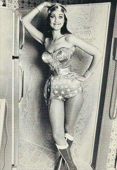 Wonder Woman Lynda Carter Photo for sale online Lynda Carter, Wonder Woman, Hey Girl, Gal Gadot, Classic Tv, Celebs, Celebrities, Celebrity Photos, American Actress