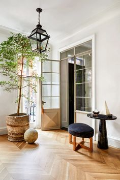 This week, Architectural Digest published a story on Nate Berkus and Jeremiah Brent's newest home, a square foot townhouse in New York dating back to Over the years,. Nate Berkus, Architectural Digest, Jeremiah Brent, Welding Table, Inspiration Design, Interior Inspiration, Mug Design, Design Furniture, Furniture Sale