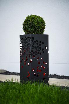 Mit dem COLUMN.be uniqe Flower Paket wir der COLUMN zur Pflanzensäule und zum Blickfang in Ihrem Garten.Ein tolles Design Highlight