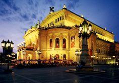 Frankfurt am Main, Alte Oper concert hall ©Deutsche Zentrale für Tourismus e.V. (Krüger, Torsten)