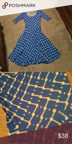 LulaRoe Nicole xs Worn and washed once per LLR standards. Size xs. Royal blue and white. Dresses Midi