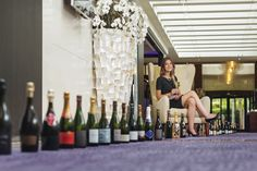 Our Head Bartender reveals you a selection of maverick wine-growers of Champagne. Champagne bar in Paris