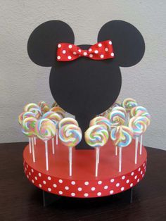 Mickey e Minnie Mouse Fiesta Mickey Mouse, Minnie Mouse Theme, Mickey Mouse Clubhouse, Mickey Party, Mickey Mouse Birthday, Cake Pop Stands, Mouse Cake, Mouse Parties, Disney Parties