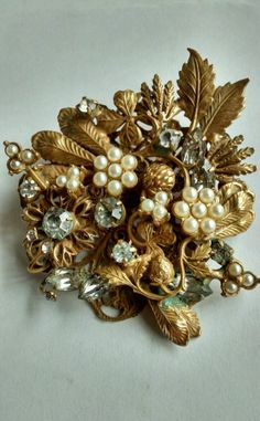 VINTAGE MIRIAM HASKELL PEARL PIN UNSIGNED