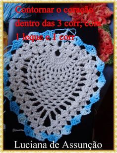 crochelinhasagulhas: Tapete de coruja em crochê Love Crochet, Crochet For Kids, Crochet Hats, Crochet Projects, Christmas Crafts, Projects To Try, Crochet Patterns, Owl, Diy Crafts